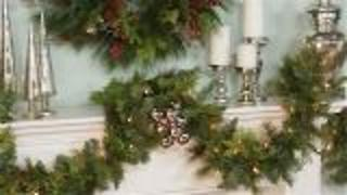 Decorate your Holiday Mantel: 3 Must-Have Tips - Video