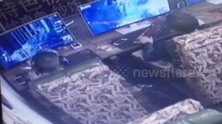 Gamer rages and smashes computer - Video