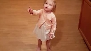 Toddler's priceless reaction after discovering a bug
