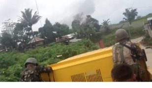 Filipino Rescue Teams Survey Marawi Evacuation Zones - Video