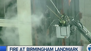Fire at Birmingham apartment leaves residents scrambling - Video