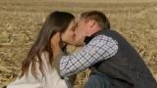5 Surprising Facts About The Bachelor's Farmer Chris - Video