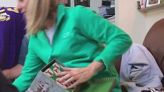 Mom Gets Surprise Marriage Proposal on Christmas Day - Video
