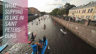 How Russians are uniting over the Neva river - Video