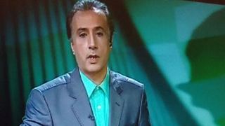 TV reporter shares his dream with people - Iran - Video