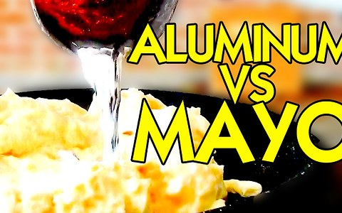 Pouring molten aluminum on mayonnaise yields extreme results