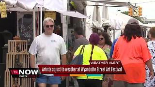 Packed crowd at Wyandotte Art Fair - Video