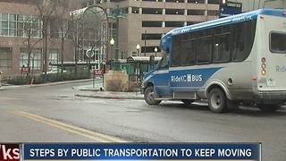 Kansas City's public transit prepares for ice storm - Video