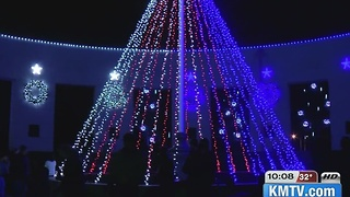 Memorial Park's Christmas display honors veterans - Video