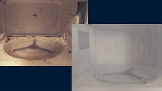 The easiest way to clean a microwave - Video