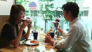 A taste of U.S. politics in Tokyo cafe - Video