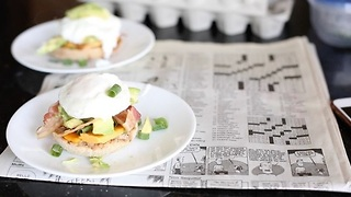 How to make poached eggs - Video