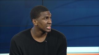 2-time NBA Champion, Milwaukee native Kevon Looney visits home - Video