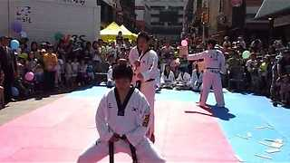Karate Kick Fail! - Video