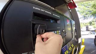 New credit and debit cards protect you better from fraud - Video