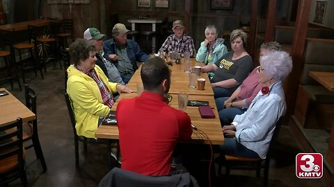 Rock Port, Missouri residents sit down to discuss flooding