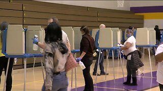 Voters bear long lines on Milwaukee's north side
