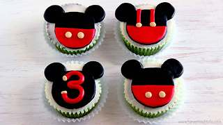 How to make Mickey Mouse cupcake toppers - Video