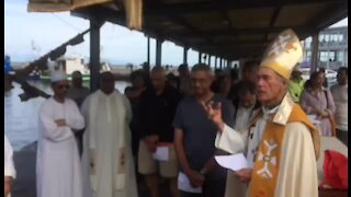 SOUTH AFRICA - CAPE TOWN - Blessing of the Fleet Kalk Bay Harbour (Nj4)