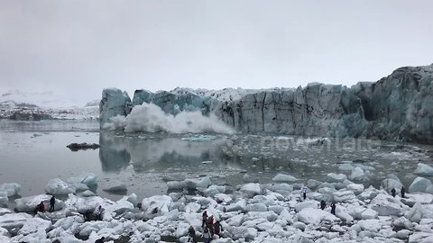 Massive Glacier Collapses In Iceland Lagoon, Sending Tourists Fleeing