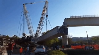 Crane Collapses During Viaduct Construction in Northern Italy - Video