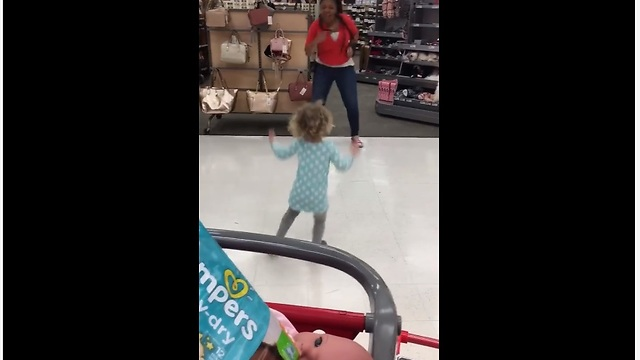 Target employee has dance off with a toddler cute videos negle Gallery