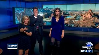 Anchors attempt invisible box challenge - Video
