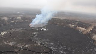 Scientists Warn Hawaiian Volcano Could Be Close To Eruption - Video