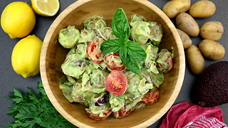 Healthy guacamole potato salad recipe - Video