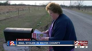 Mail thief steals money from elderly woman - Video