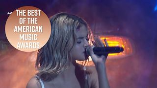 All the unmissable moments from the AMAs - Video