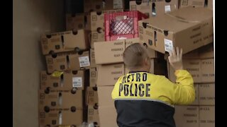 Vegas police helping to feed local families