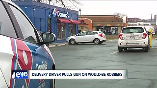 Pizza delivery driver pulls gun on would-be robbers in Akron