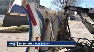 Preparing for Wisconsin's first measurable snow this season - Video