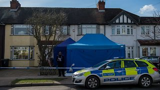 UK Police Open Murder Investigation Into Death Of Putin Critic - Video