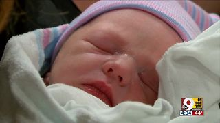 Clermont County baby born on the road - Video
