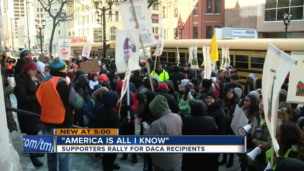 Students rally for DACA at Milwaukee Federal Courthouse