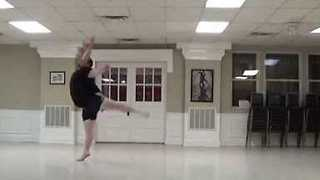 Plus-Size Dancer Freestyles Incredible Moves
