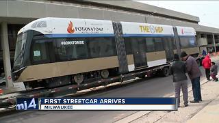 First streetcar vehicle arrives in Milwaukee - Video