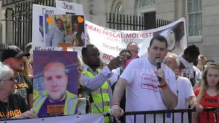 Protesters gather outside Downing Street in Anti-knife demonstration - Video