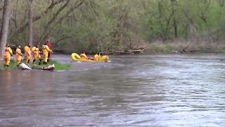 3 men in Grafton kayak incident rescued after being trapped on island - Video