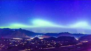 Stunning Aurora Australis Shines Over Queenstown - Video