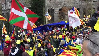 Pro-Independence Catalans March in Brussels Calling for EU Support - Video
