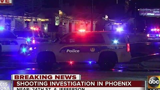1 killed, suspect loose after shooting at Phoenix light rail station - Video