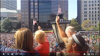 8000 People Singing God Bless America at the Ohio State Capitol