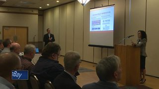 Businesses learn about Foxconn opportunities - Video
