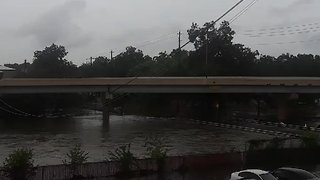 Officials Warn Residents to Stay Home As Floodwaters Rise - Video