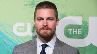 Stephen Amell Reacts To Arrow On Jeopardy