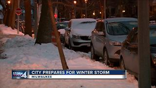 Milwaukee winter parking restrictions lifted for Thursday night - Video