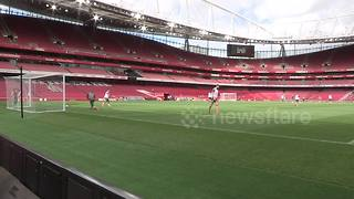 Arsenal striker Olivier Giroud scores sweet volley in training - Video